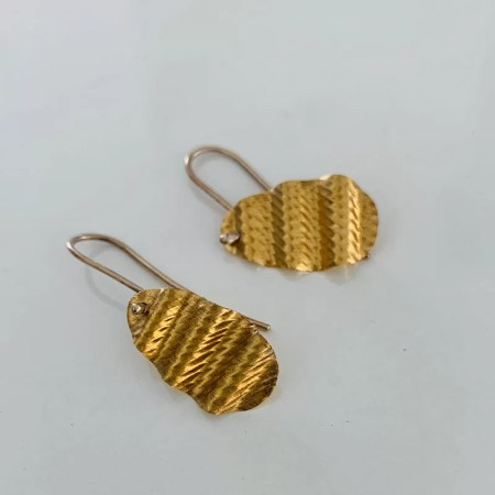 Emma Mogridge - Pebble Earrings