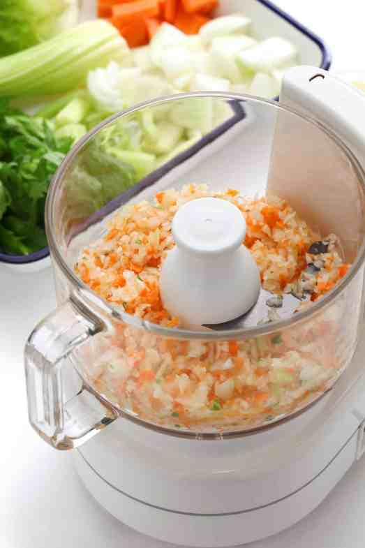 A food processor makes a wonderful affordable kitchen gift for your loved ones and friends. Get more ideas at Made in a Pinch and follow us on Pinterest