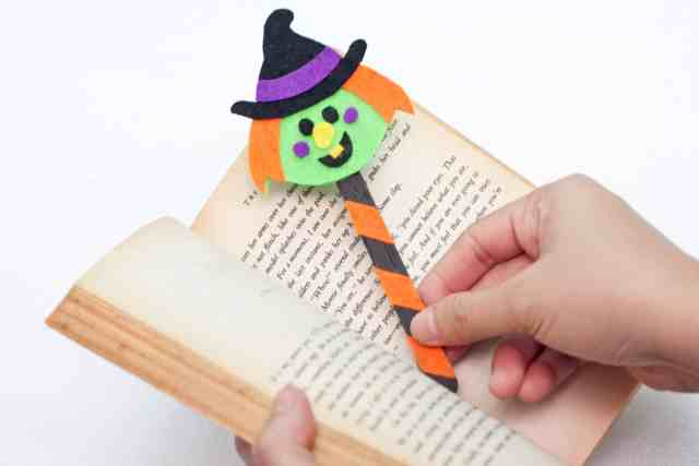 Cute Witch Halloween bookmarks craft for kids