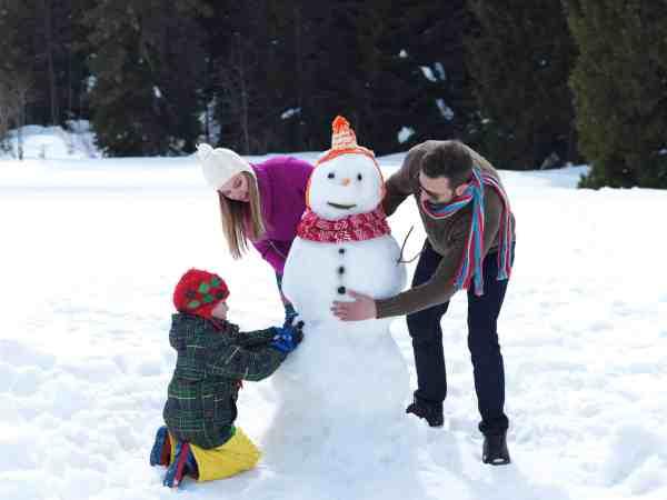 Winter Bucket List For Families: 100+ Must-Do Winter Activities