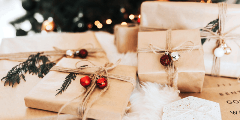 7 Essential Ways to Avoid Overspending During the Holidays