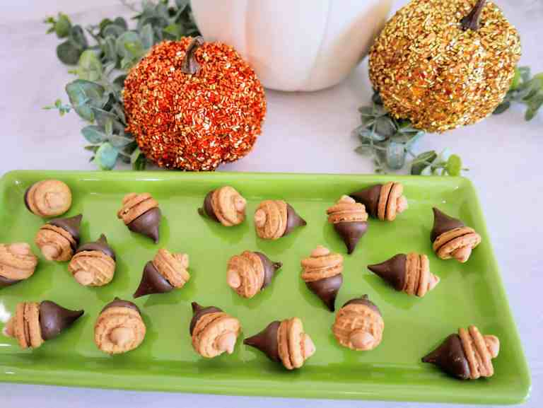 peanut butter acorns treats