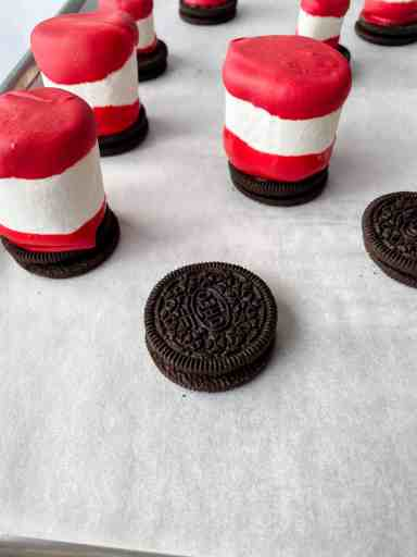 making cat in the hat snacks