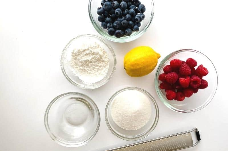 Chantilly cake berry sauce ingredients