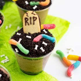 Oreo Halloween Dirt Cups with gummy worms