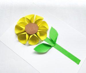 Folded paper sunflower craft