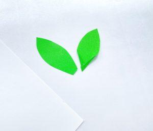 Folded paper sunflower craft process