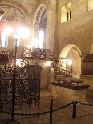 basilica_interior.jpg
