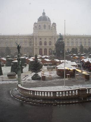 mariateresaplatz.jpg