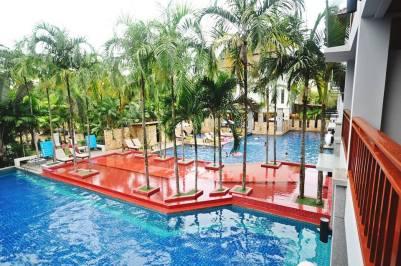 Grande Piscine Lanta Sand Resort