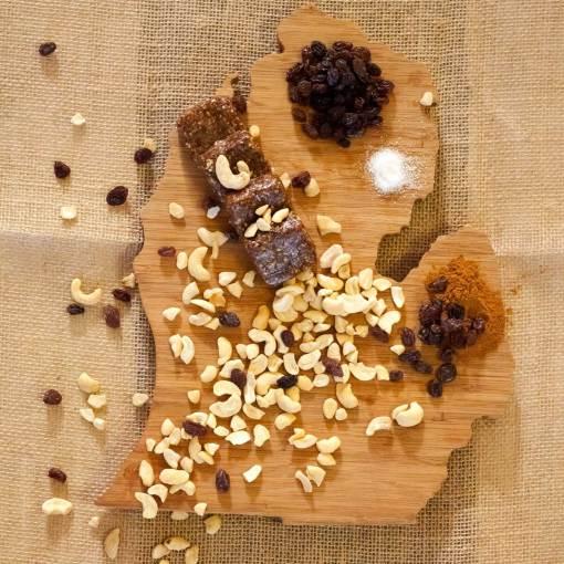 Cinnamon Raisin Cashew Energy Bites Ingredients