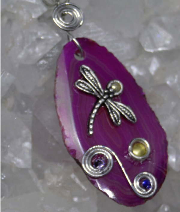 Agate Slice Dragonfly Pendant Magenta PADF