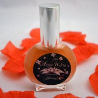 Syringa Perfume with sandalwood, musk, vetiver, lilac, orange blossom, water lily, vanilla, coconut, plum, lilac