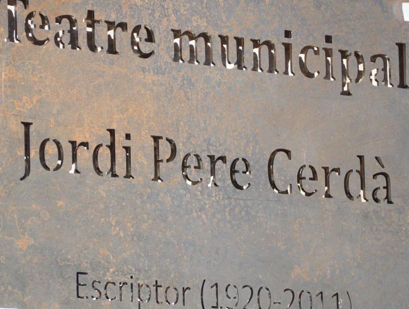 Plaque théâtre municipal Jordi Pere Cerdà