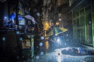 Daniel Berehulak pour le New York Times - Informations générales 1er prix - Romeo Joel Torres Fontanilla 37 ans, git assassiné dans les rues de Manille, au début du mois d'octobre 2016
