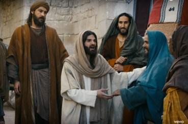 Olivier Blackstone joue Pierre dans la comédie musicale Jésus
