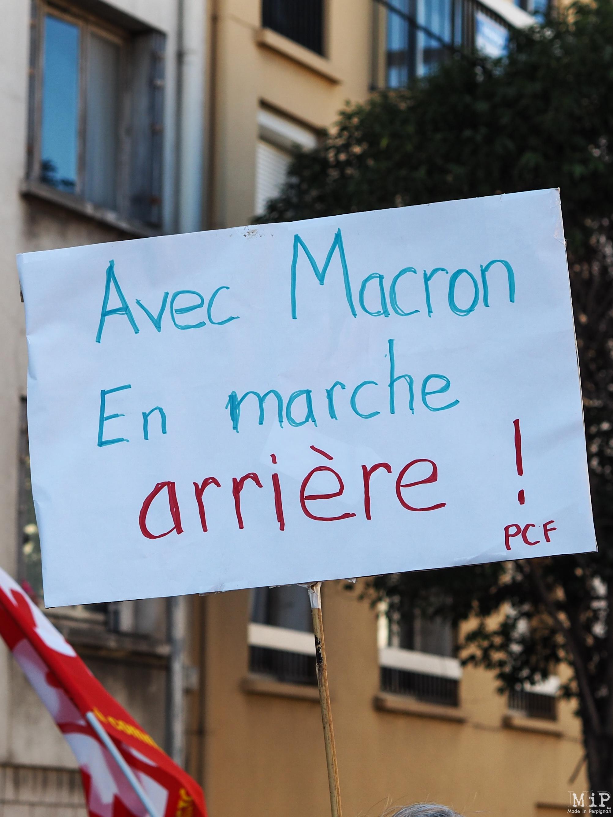 Perpignan - Manifestation pour défendre la fonction publique -100029