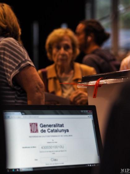 Référendum catalan du 1-O - Récit d'une journée historique-010460