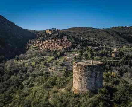 la-tour-de-castelnou-KikiMagTravel