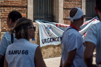 Rassemblement blanc soignants Urgences CHU Perpignan