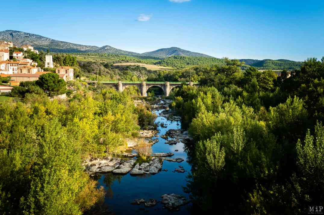 Voyage sensoriel Train rouge du Pays Cathare et du Fenouillèdes