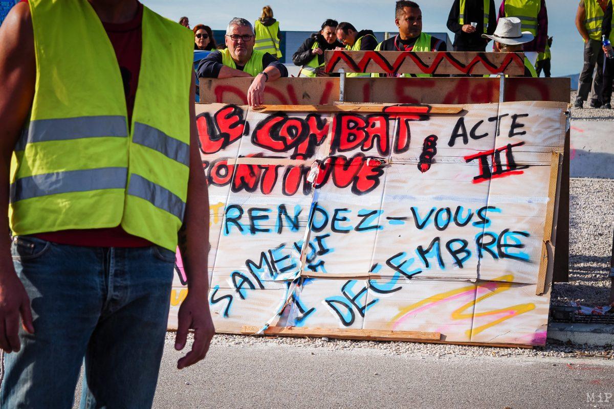 Aux abords de la barrière de péage de Rivesaltes, même détermination affichée. Tout comme au Boulou.
