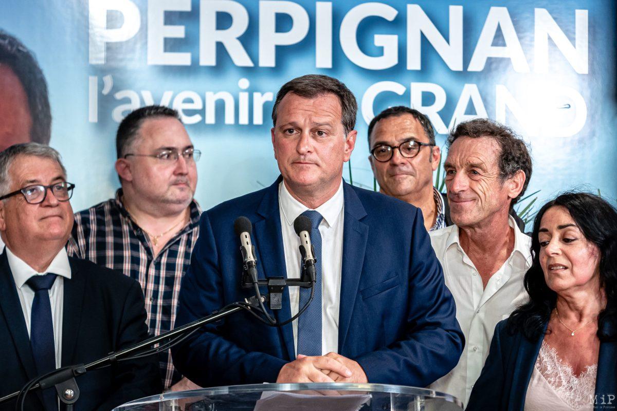 A son QG de campagne, Louis Aliot, depute Rassemblement National, savoure sa victoire sur Jean-Marc Pujol, maire sortant Les Republicains