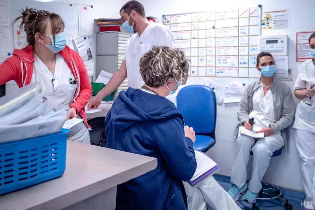 26/01/2021, Perpignan, France, quotidien des soignants hôpital St Jean secteur Covid-19 et réanimation © Maïté Torres / MiP