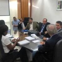 Laerte Gomes acompanha empresários de frigorífico no Ministério da Agricultura  para garantir exportações