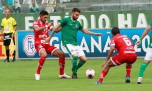 Goiás bate Vila Nova em clássico e segue invicto no Campeonato Goiano
