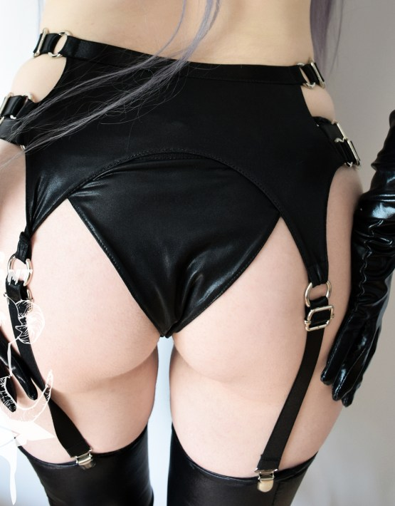 wet look garter belt