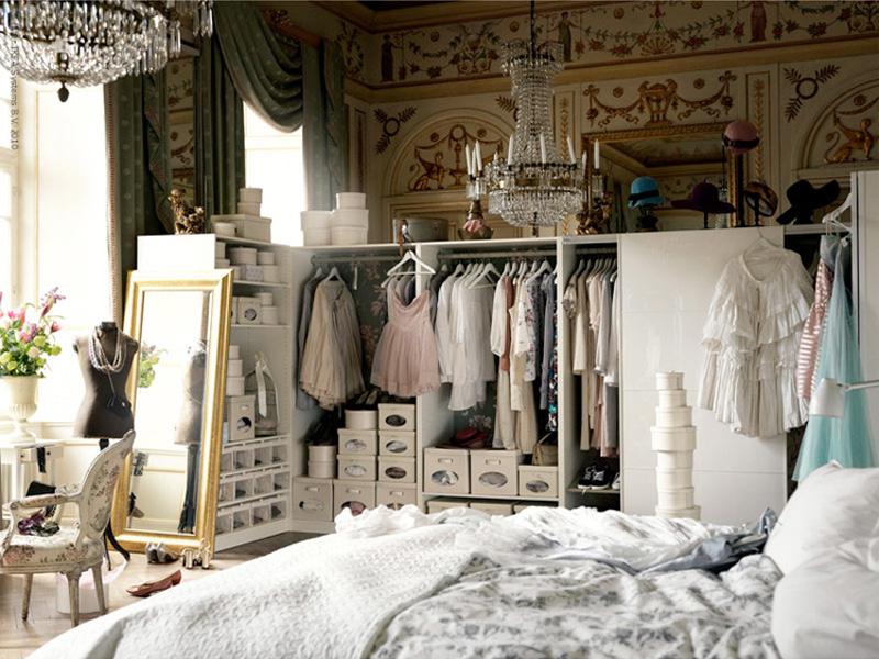 ironing man bedroom-chandelier-closet-cute-decor-fashion