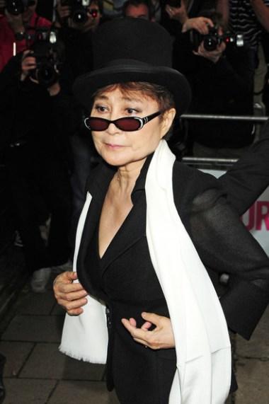 Yoko+Ono+Alexandra+Burke+2010+Glamour+Women+zkewQhVy6FYl