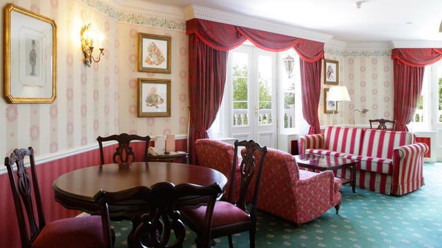 disneyland-hotel-walts-disney-apartment-suite