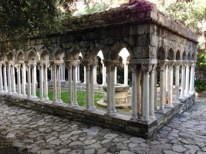 Cloître monastère Saint André Genes