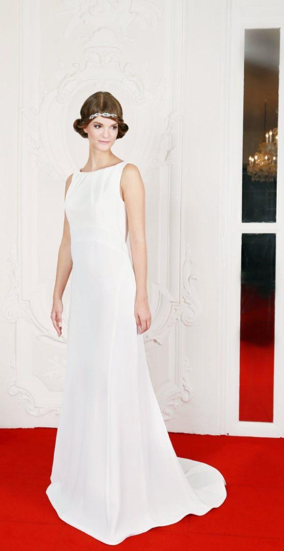 41 Diana Brautkleid Hochzeitskleid Rückenausschnitt Schleppe Falten ...