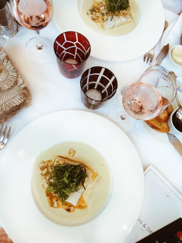 Обяд във Fouquet's.