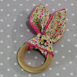 Anneau de dentition oreille de lapin fleurs jaunes / handmade yellow flowers teething ring