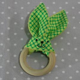 Anneau de dentition oreille de lapin carreaux verts / handmade green teething ring