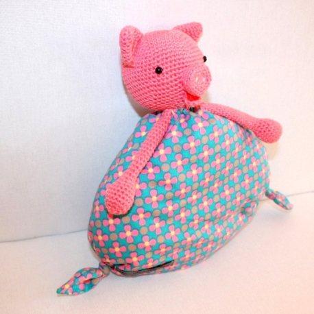 Mademoiselle cochonnette, doudou cochon pour bébé au crochet  3