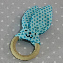 Anneau de dentition oreille de lapin pois bleus / handmade blue dots teething ring