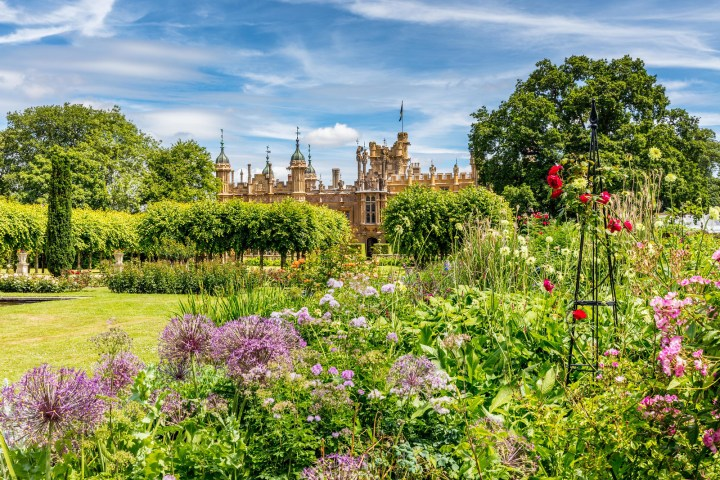 Location di the Crown: Knebworth House