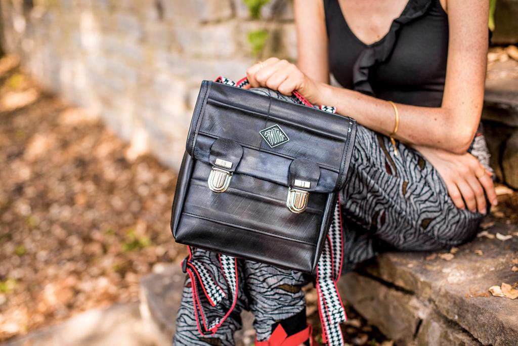 Sac vegan Fantôme de la boutique de mode éthique et éco-responsable Les 3 L à Montpellier, présentés par la blogueuse Mademoiselle Coccinelle