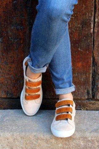 Baskets-scratch-cuir-beige-et-cognac-JULES-JENN_light