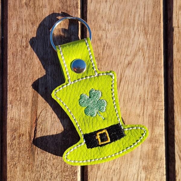 mademoiselle eleonore couture creation porte cle normandie evreux personnalisation trefle à 4 feuilles saint patrick st patrick chapeau de leprechaun