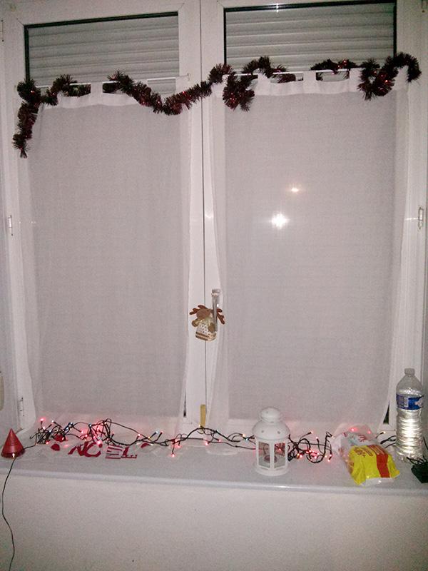 fenêtre décorée Noel