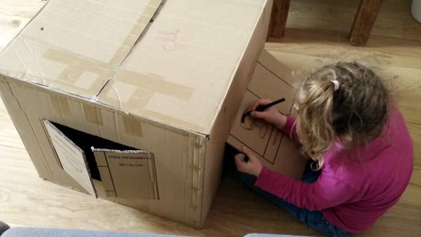 cabane en cartons