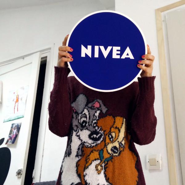 Nivea girl