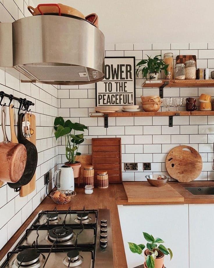 Petite cuisine bois décoration