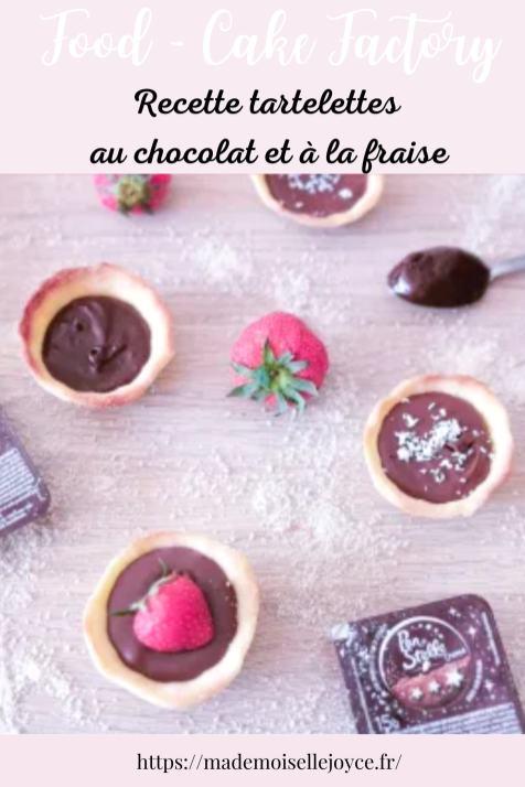 Tartelettes au chocolat et à la confiture de fraises